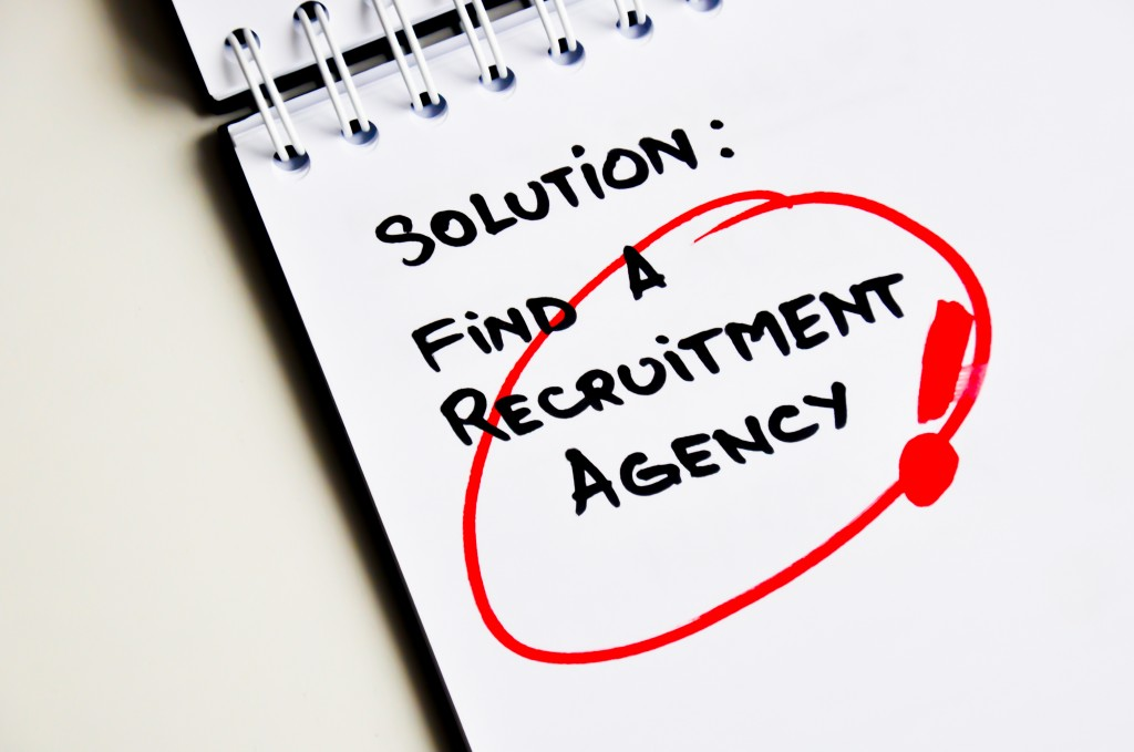 5 Reasons to use a recruiter creative staffing agency to find employees